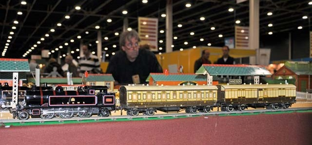 Darstead LNWR with early Leeds LNWR coaches