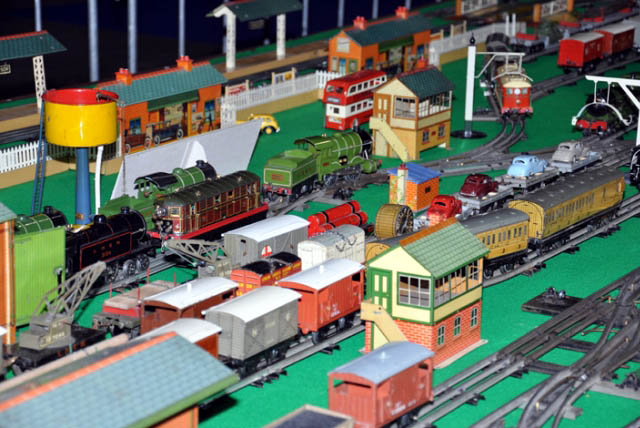 LNER theme with Hornby O-gauge layout
