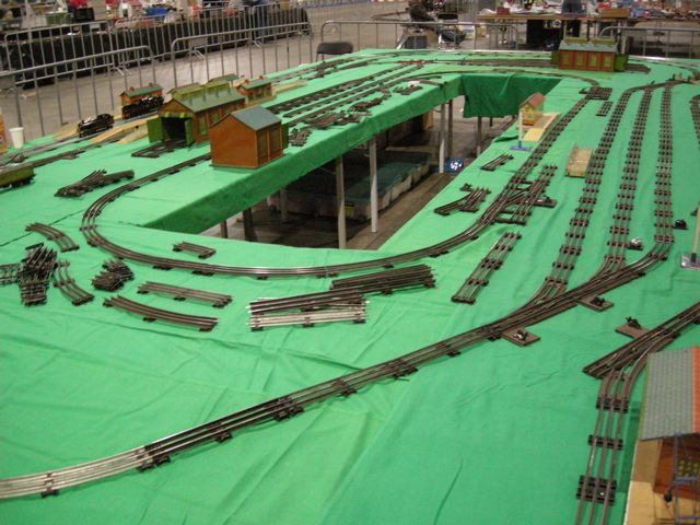 Building the Hornby 0-gauge layout