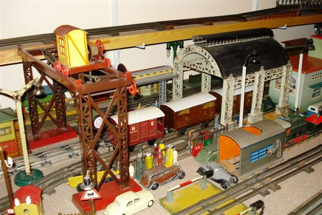 Vintage station and gantry crane