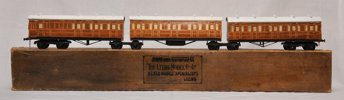 Leeds litho LNER Triple Articulated Train