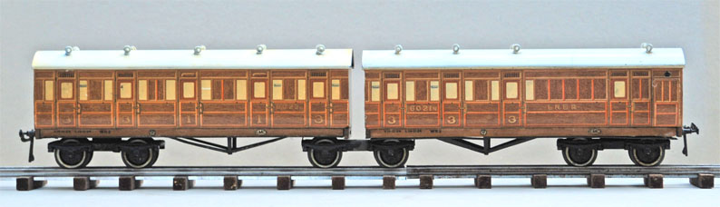 Leeds litho LNER Twin Articulated Train